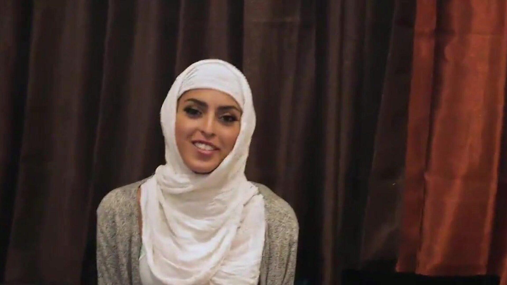 Free hijab porn Free Hijab