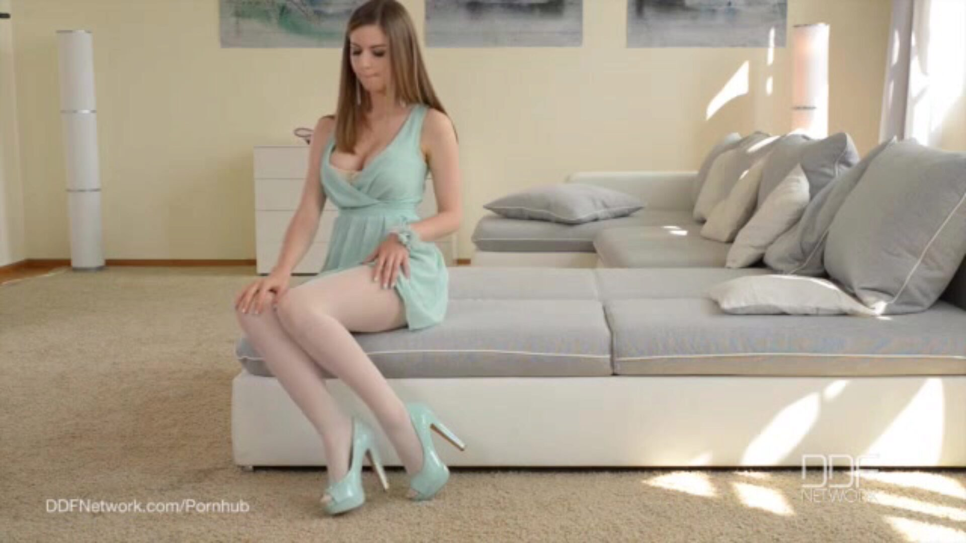 Ultra Sexy UK playgirl Stella Cox bonks in Pantyhose