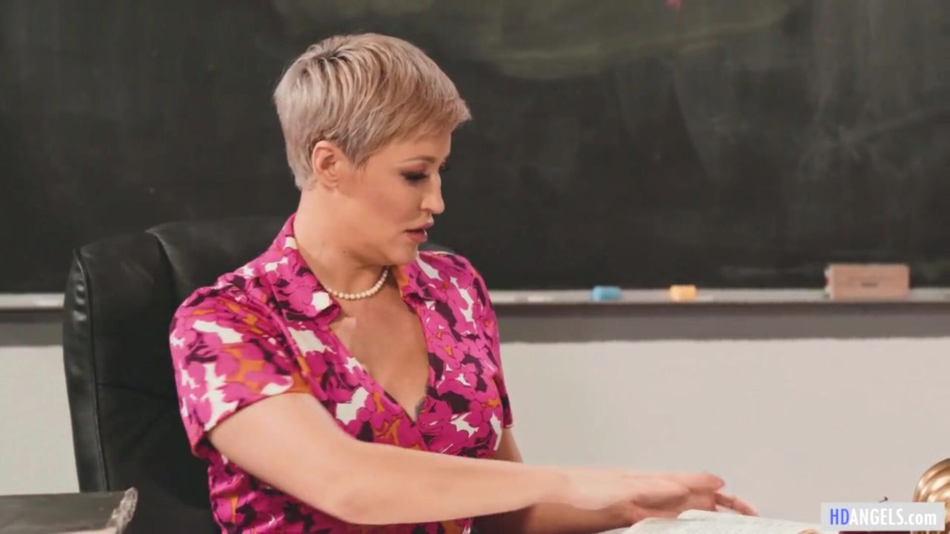 I'm Teacher And You're My Student, Eliza! (Lesbian Sex) One day, Eliza makes a budge on Ryan. Ryan is averse but wanting to boost Eliza's confidence, assents pulling the schoolgirl in for a ardent kiss