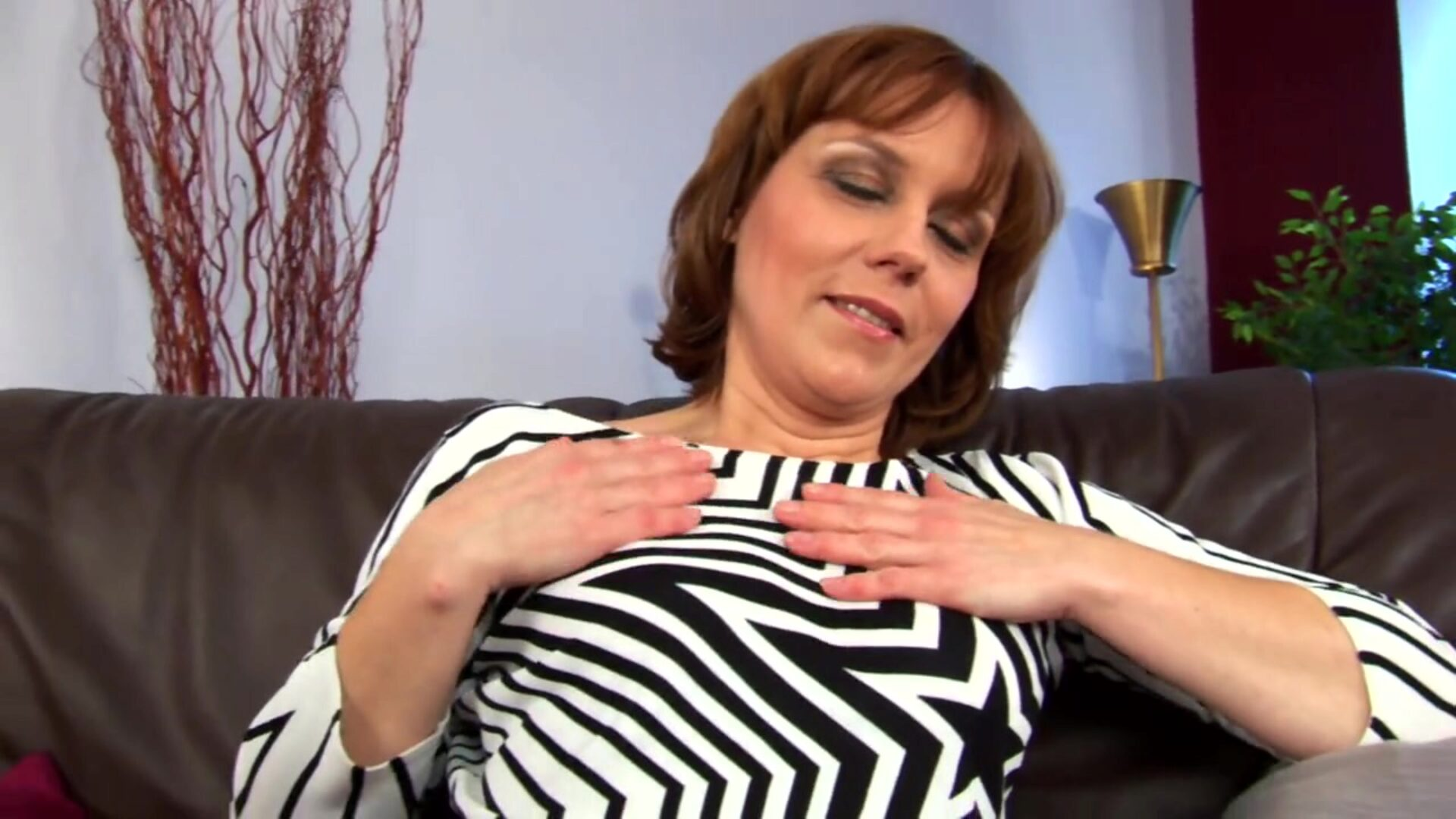 Middleaged Mylene wanks - CzechSuperStars