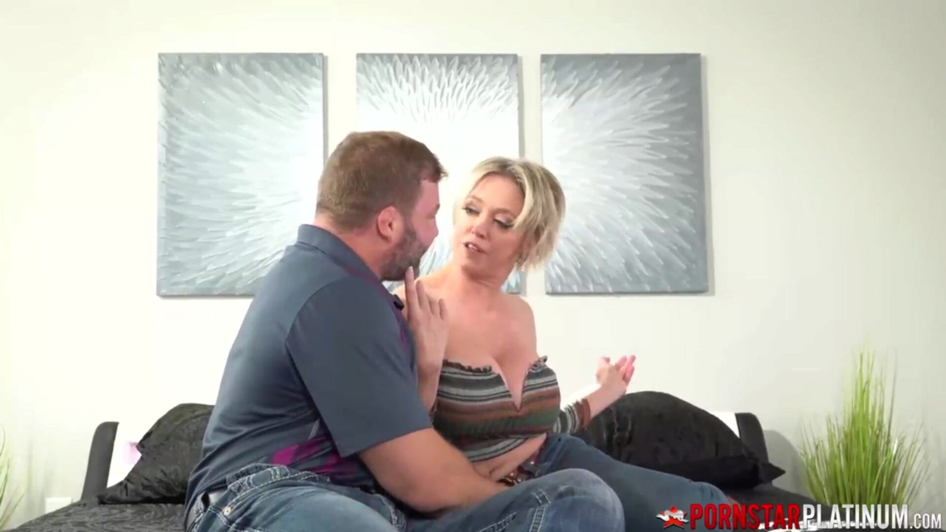 PORNSTARPLATINUM Bombshell mother I'd like to fuck Dee Williams Banging Cowgirl