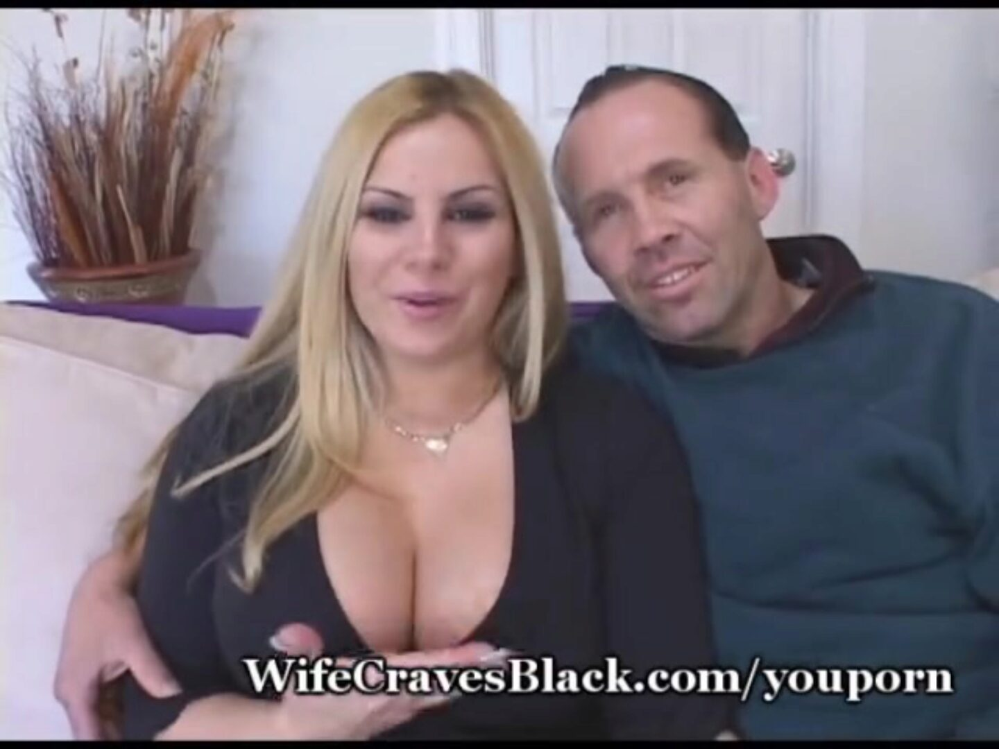Hubby Takes Lessons From Black Stud