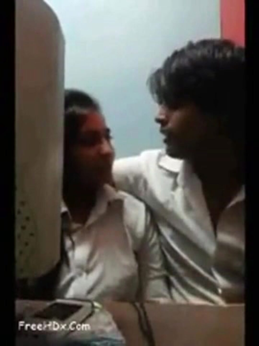 Desi pair romp in cyber cafe Desi couple scones pressing and frigging in cyber cafe