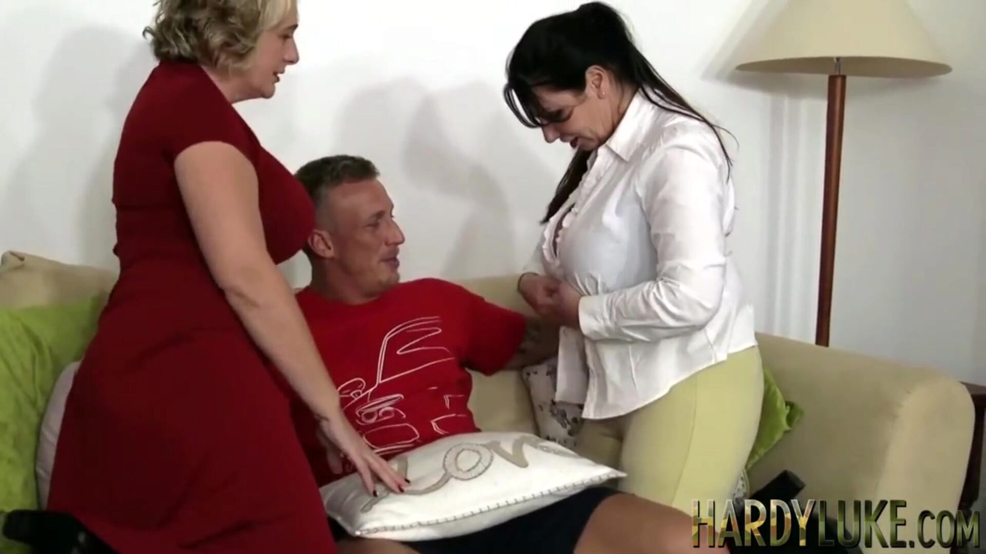 Camilla Creampie and Josephine take turns on junior 10-Pounder Mature British chicks with immense kinks give double blowjob and dump after being pummeled rock hard
