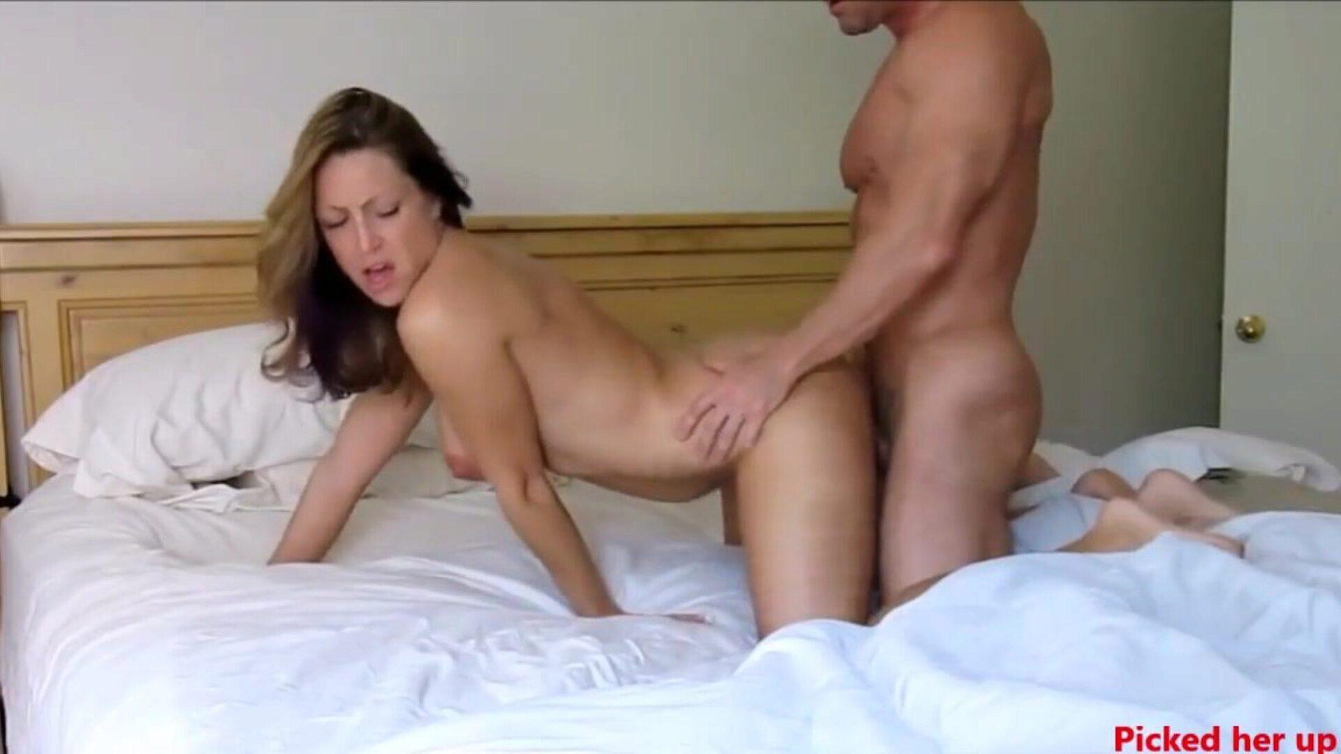 Amateur Face Grinding Orgasm