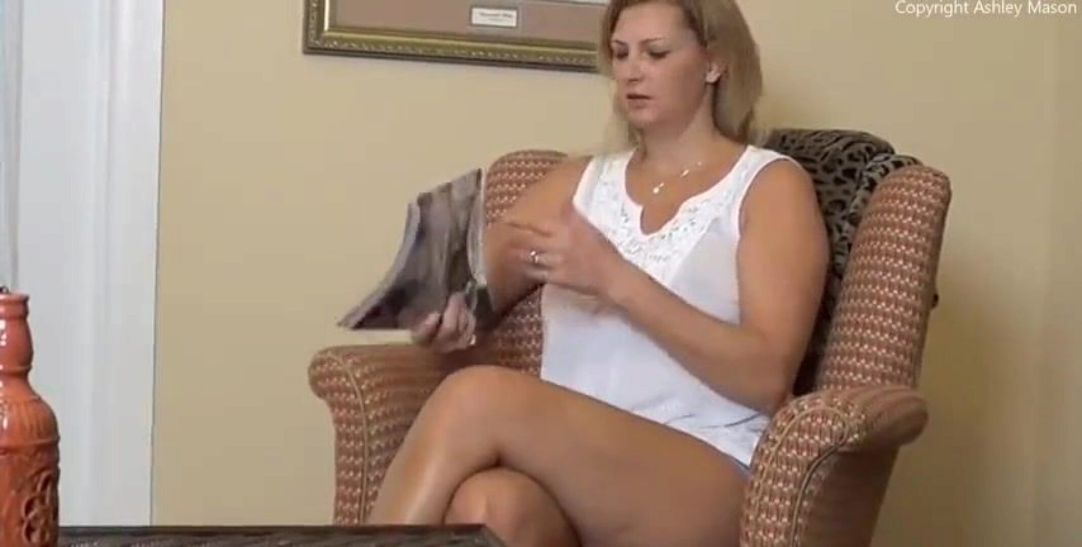 ROLEPLAY – Son Caught Jerking and Mom Fucks Him for Creampie Creampie Mom
