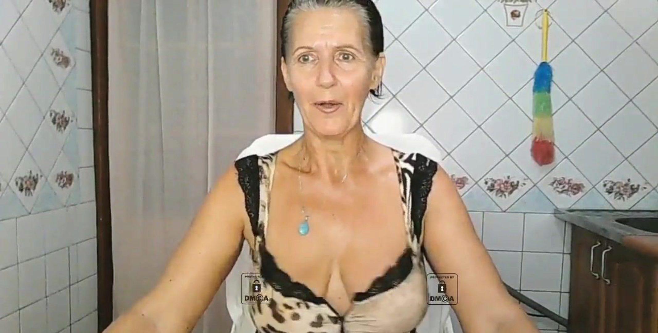 無料おばあちゃんの裸のポルノチューブ - Nude Clap